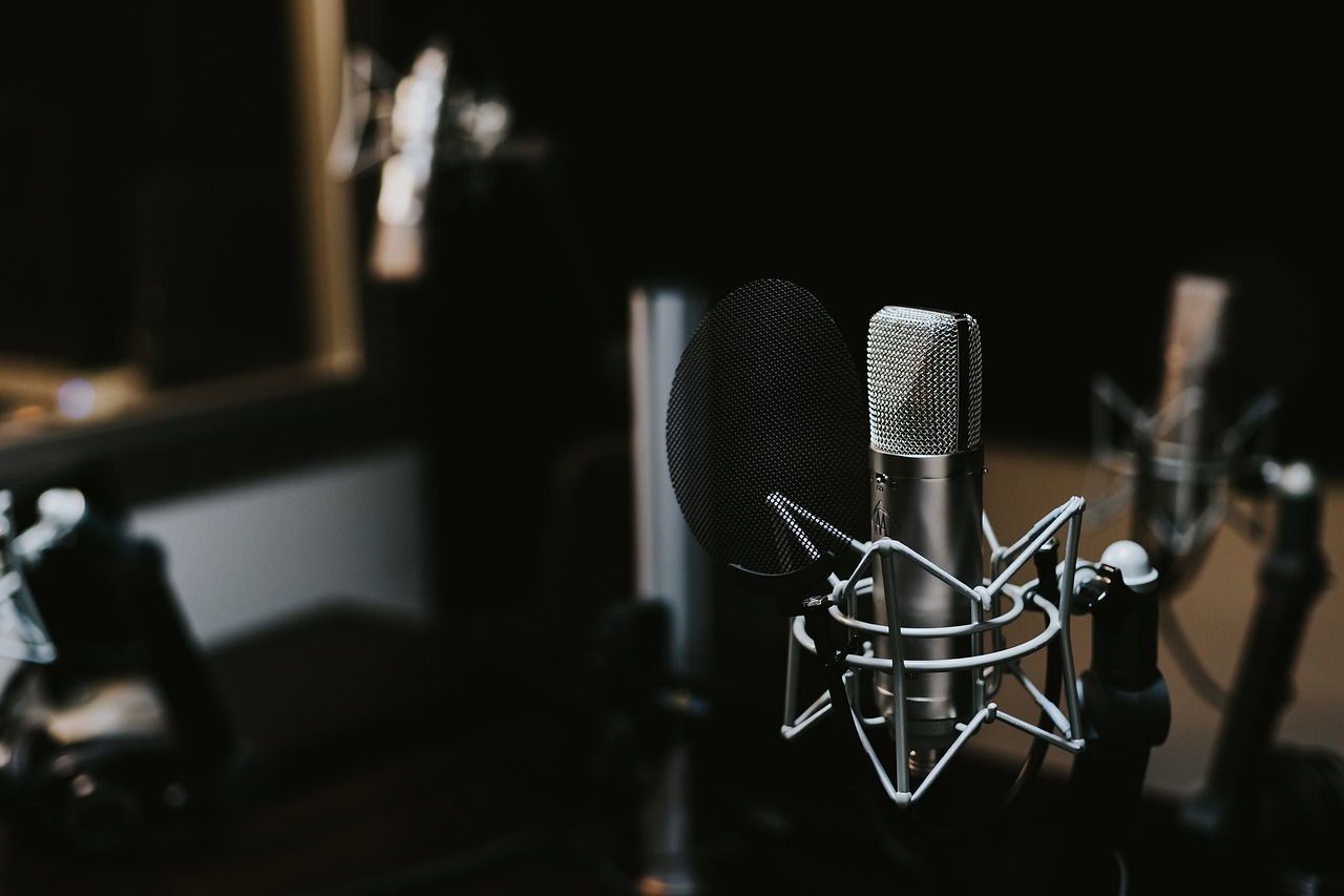 different types of mics